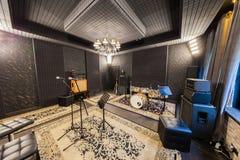Fachowy studio nagrań z instrumentami muzycznymi Fotografia Stock