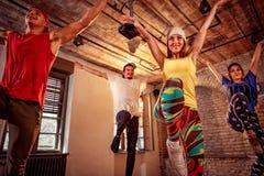 Fachowy tancerz trenuje nowożytnych tanów w studiu Sport, Dan Zdjęcie Royalty Free