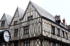 Fachwerkhäuser in Rue de la Liberté, Dijon, Frankreich lizenzfreie stockfotografie
