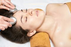 Free Facial Ice Stick Massage. Hot Face Masseur. Girl At Salon With Doctor Hands Stock Images - 173110444