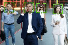 Free Facial Recognition System Identifying People Stock Photos - 195757723