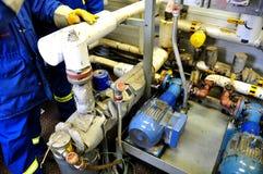 Facilidades da bomba de areias do petróleo Foto de Stock Royalty Free