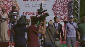 Fackellauf auf Stadtplatz während der Flamme des Friedens vor 2. europäischen Spielen 2019 in MINSK BOBRUISK, WEISSRUSSLAND 06 03 stock footage