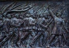 Fackliga soldater som laddar den anslags- statyn minnes- Capitol Hill Wa för US Arkivbilder