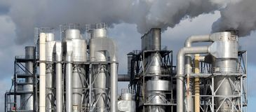 Free Factory Chimneys Producing Pollution Stock Photo - 91106110