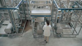 factory modern worker απόθεμα βίντεο
