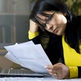 Factures de paiement en ligne Photo libre de droits