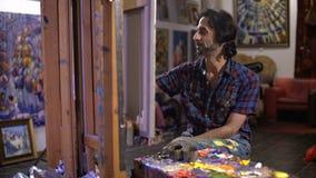 Faculdade criadora da farinha Processo do artista de pintar uma imagem filme