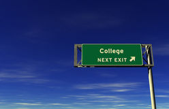 Faculdade - sinal da saída de autoestrada Imagens de Stock Royalty Free
