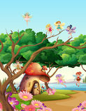 Fadas que voam no jardim ilustração royalty free