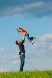 fader för angelägenhetdotterfamilj Royaltyfri Fotografi