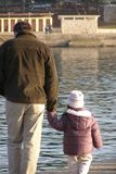 Fader och dotter royaltyfria bilder