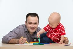 Fader- och litet barnsonteckning Royaltyfri Foto