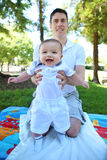 Fader och Son i parken Royaltyfri Foto