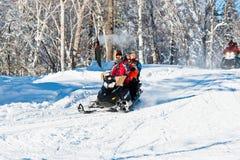 fadergyckel som har vinter för rekreationisbanason Arkivbilder