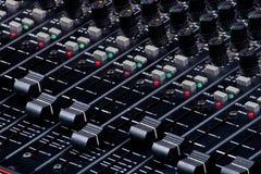 faders που αναμιγνύουν τον ήχο Στοκ εικόνα με δικαίωμα ελεύθερης χρήσης