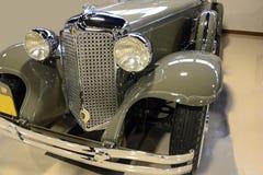 Faetón dual imperial 1931 de la capucha de Chrysler CG Foto de archivo