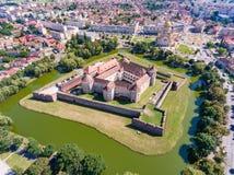 Fagaras堡垒在特兰西瓦尼亚如从上面被看见 图库摄影