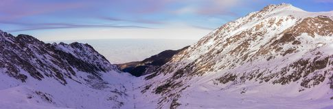 Fagaras berg för solnedgång arkivbild