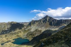 Fagaras-Berge im rumänischen Land Stockbild