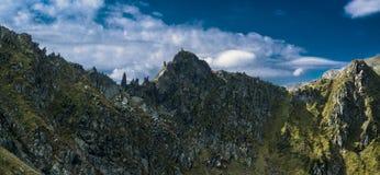 Fagaras-Berge im rumänischen Land lizenzfreie stockfotos