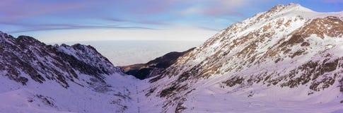 Fagaras-Berge vor Sonnenuntergang stockfotografie