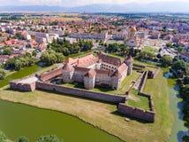 Fagarasvesting in Transsylvanië zoals die hierboven wordt gezien van royalty-vrije stock foto's