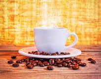 Fagioli caldi del caffè espresso Fotografia Stock Libera da Diritti