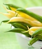 Fagioli di cera gialli e fagiolini fotografia stock