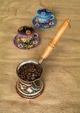 Fagioli harar etiopici di cofee in bollitore Fotografia Stock