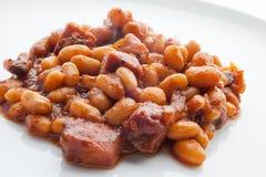 Fagioli in salsa in salsa al pomodoro su bianco 2 Fotografia Stock Libera da Diritti