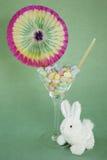 Fagiolo di gelatina pasqua martini con il coniglietto Fotografia Stock Libera da Diritti