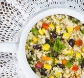 Fagiolo nero del glutine, mais ed insalata liberi della quinoa Immagini Stock