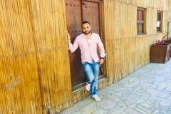 Fahidy老市的迪拜,阿拉伯联合酋长国游人 库存图片