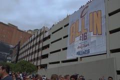 Fahne Allin216 auf Parkhaus Lizenzfreie Stockbilder