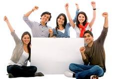 Fahne fügen - glückliche Freunde hinzu Lizenzfreies Stockfoto