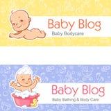 Fahne für Blog Kind legen auf Magen Schätzchen im Bad lizenzfreie abbildung