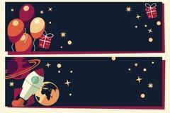 Fahnen mit Ballonen, Geschenken, Raketenschiff und Planeten Stockfoto