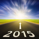 Fahren auf eine leere Straße in der Geschwindigkeit bis 2015 Lizenzfreie Stockbilder