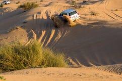 Fahren auf Jeeps Wüsten-Safari Stockfotos