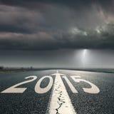 Fahren auf Straße in Richtung zum Sturm bis 2015 Stockfotografie