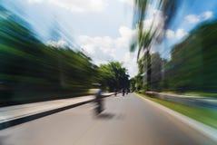 Fahren des Straßen-Bewegung unscharfen extremen langen Belichtungs-Schusses Stockbild