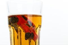 Fahren des Unfalles innerhalb eines kleinen Glases Stockfoto
