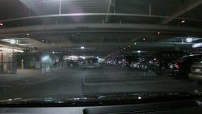 Fahren durch eine Untertageparkstruktur stock video