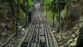Fahren Sie auf Drahtseilbahnstraße auf Penang-Hügel, Georgetown, Malaysia Innenansicht stock video