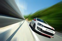 Fahren zu schnelles Stockfoto