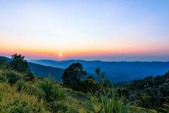 Fahrenheit de Chi de Phu en Chiang Rai, Thaïlande au coucher du soleil Photographie stock