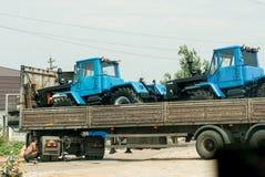 Fahreränderungen ein Rad am LKW stockfotografie