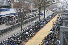 Fahrräder in Amsterdam Lizenzfreies Stockfoto