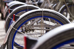 Fahrräder in einer Reihe Lizenzfreie Stockfotografie